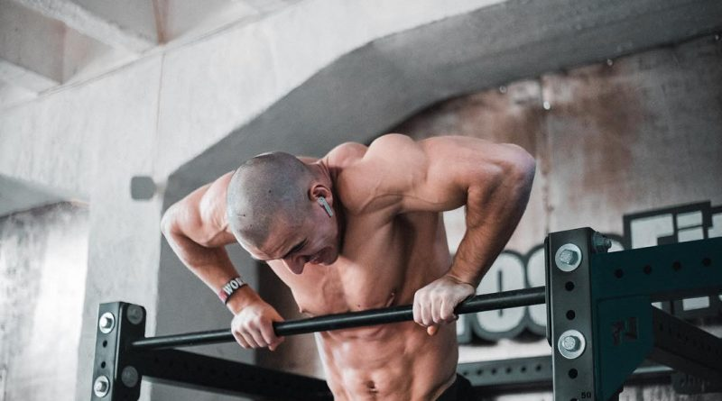 comment realiser son premier muscle up street workout poids de corps programme